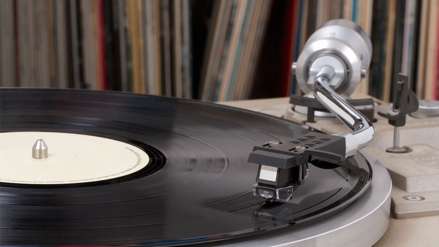 bg_turntables_and_record_players_header